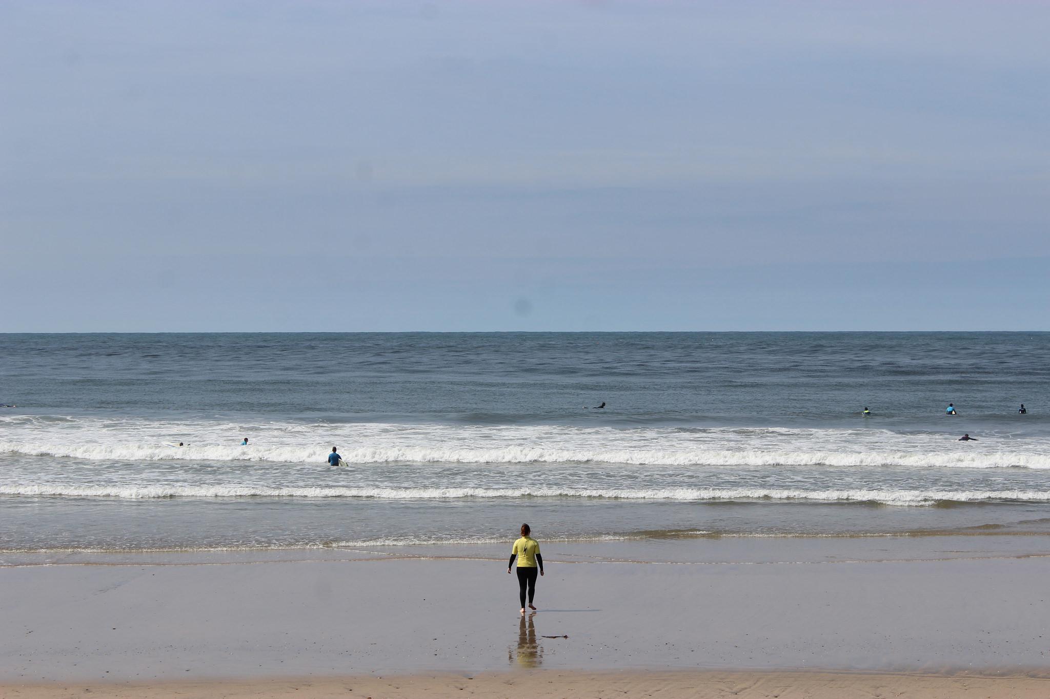 Helena surfing